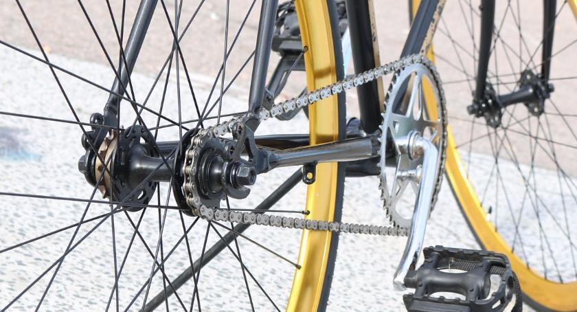 Rower, Koniec sezonu rowerowego miasteczku - zdjęcie, fotografia