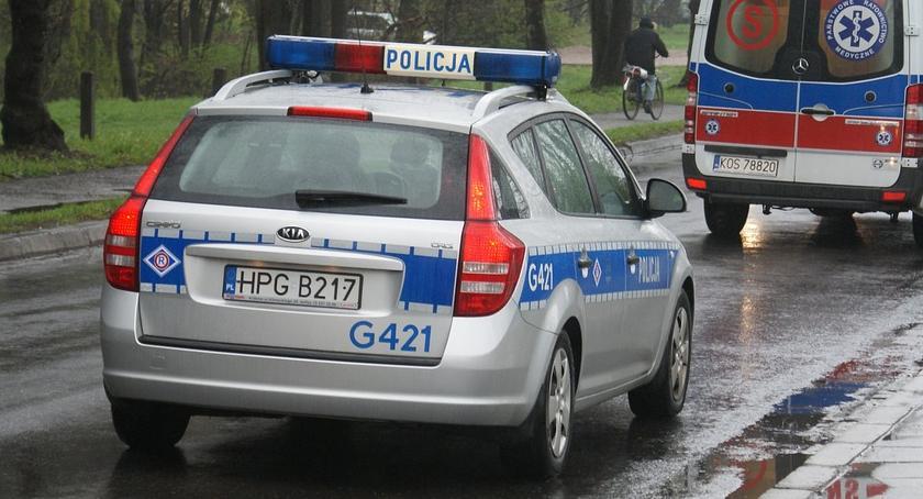 Wypadki, Radiowóz zderzył osobówką Okopowej - zdjęcie, fotografia