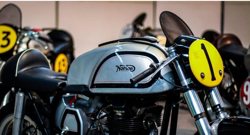 Kradzieże i rozboje, Okradziono salon motocyklowy dwóch znanych polskich rajdowców - zdjęcie, fotografia