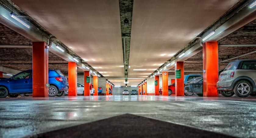 Inwestycje, Powstanie podziemny parking ponad - zdjęcie, fotografia