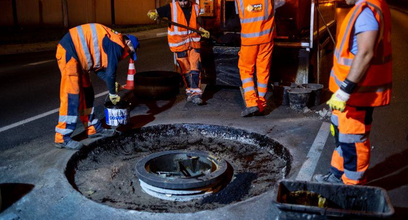 Drogi, naprawia studzienki Prymasa Tysiąclecia - zdjęcie, fotografia