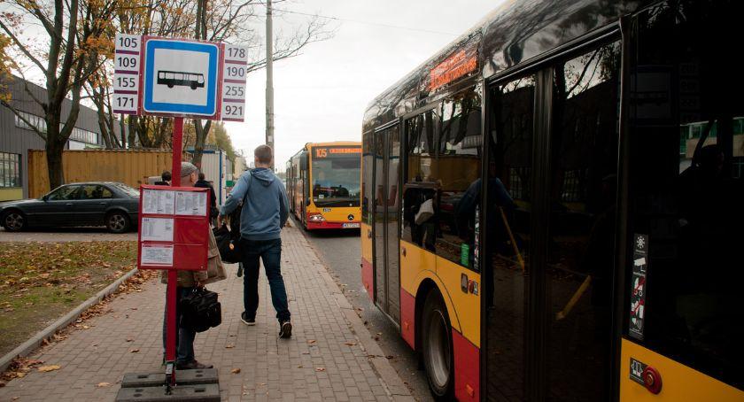 Komunikacja, Powstał przystanek pomiędzy Szpitalem Wolskim - zdjęcie, fotografia