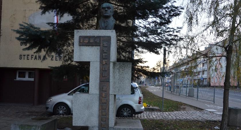 Interwencje, Renowacja pomnika Stefana Żeromskiego - zdjęcie, fotografia