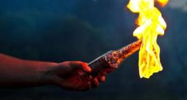 Atak na mieszkanie Ukraińców na Woli. Wrzucono podpaloną butelkę z benzyną