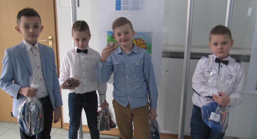 Oświata, Kobylniki - zdjęcie, fotografia