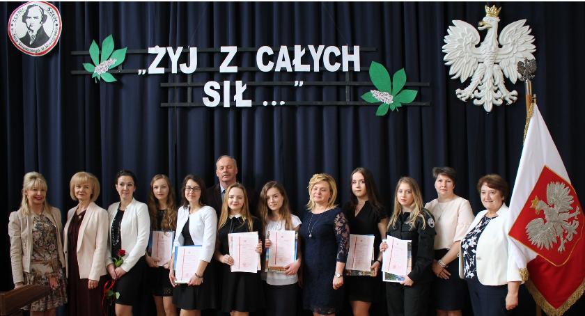 Oświata, Żegnamy maturzystów - zdjęcie, fotografia