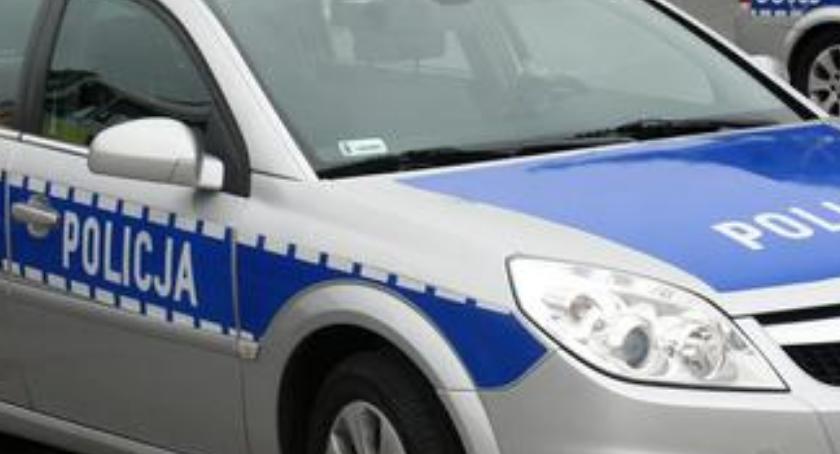 Komunikaty policji, Kierowco ZWOLNIJ szczególnie drodze - zdjęcie, fotografia