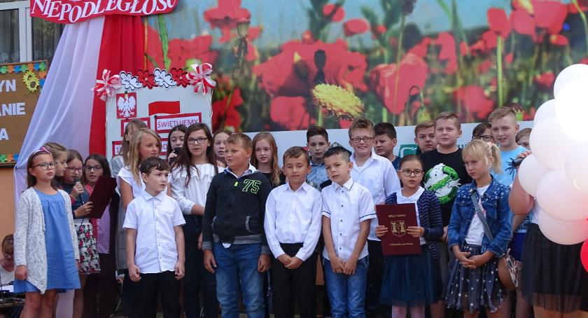 Kultura, Narodowo patriotycznie Goławinie - zdjęcie, fotografia