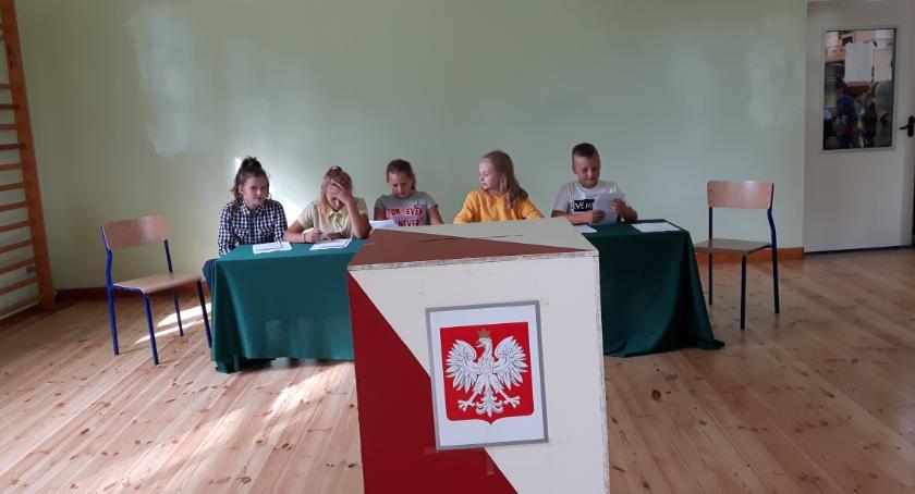Samorząd, Wybory Samorządu Uczniowskiego Chociszewie - zdjęcie, fotografia