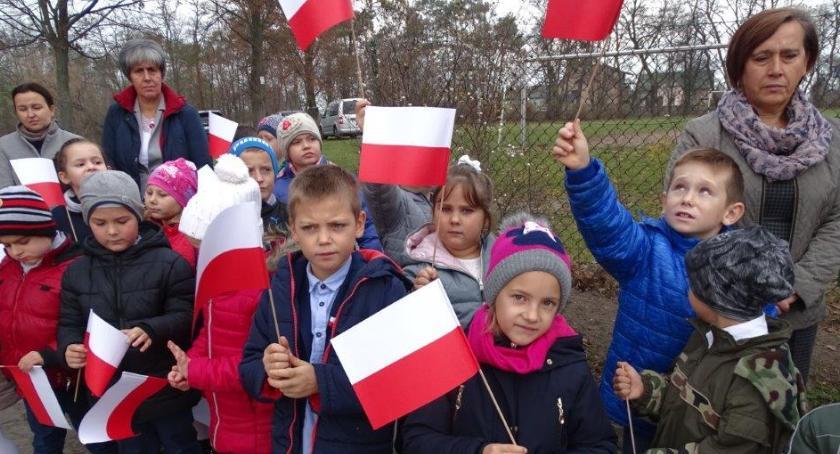 Oświata, Obchody Święta Niepodległości Goławinie - zdjęcie, fotografia