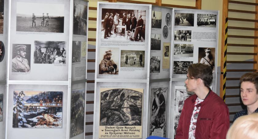 Historia, Otwarcie wystawy - zdjęcie, fotografia