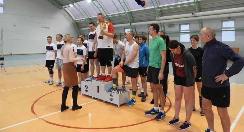 Sport, Amatorski Mikołajkowy Turniej Piłkę Siatkową Puchar Burmistrza Gminy Miasta Wyszogród - zdjęcie, fotografia