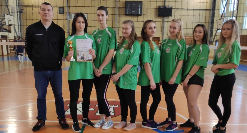 Sport, Siatkówka dziewcząt finał powiatowy - zdjęcie, fotografia