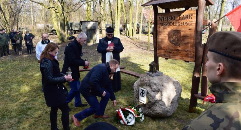 """Historia, Obchody Narodowego Pamięci """"Żołnierzy Wyklętych"""" Bulkowo - zdjęcie, fotografia"""
