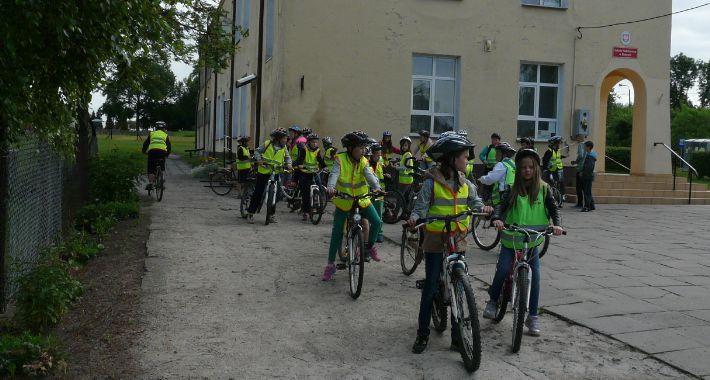 Oświata, rowerowy uczniów Szkoły Podstawowej Rębowie - zdjęcie, fotografia