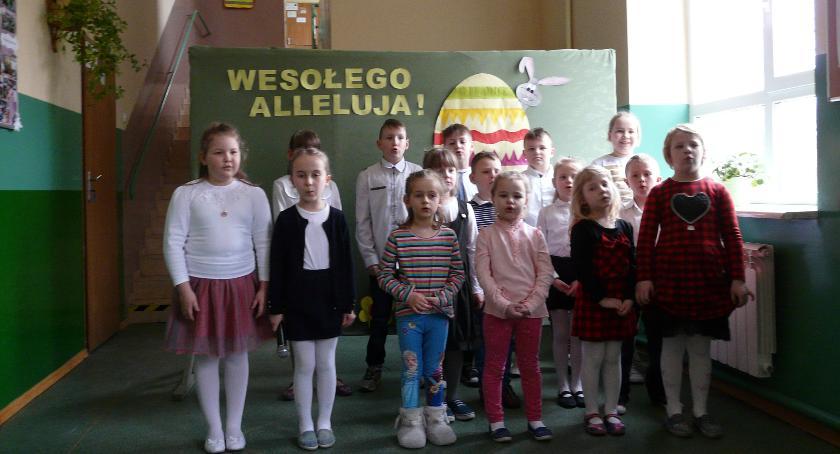 Oświata, Wielkanoc Szkole Podstawowej Rębowie - zdjęcie, fotografia