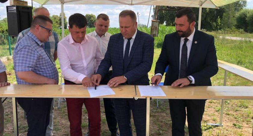 Samorząd, Rozpoczął remont ostatniego odcinka drogi Bulkowo Worowice granica powiatu - zdjęcie, fotografia