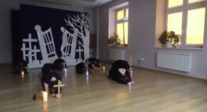Oświata, Przedstawienie profilaktyczne wykonaniu uczniów Wyszogród - zdjęcie, fotografia