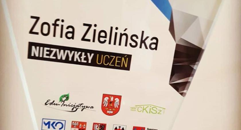 Oświata, Zofia Zielińska NIEZWYKŁY UCZEŃ Wyszogrodu - zdjęcie, fotografia