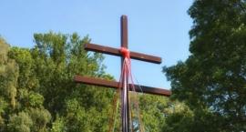 Krzyż lotaryński, znany również jako Karawaka, w Starym Raadzikowie