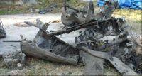 Wydobycie wraku samolotu w starorzeczu Bzury w Kamionie