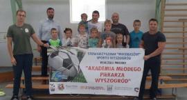 Zajęcia z piłki nożnej organizowane przez S