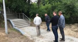"""""""Odnowa zabytkowych schodów z okresu międzywojennego"""" w Wyszogrodzie zakończona."""