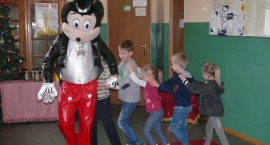 Występ cyrkowy w Szkole Podstawowej w Rębowie