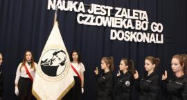 Obchody Święta Patrona Szkoły i ślubowanie klas pierwszych w ZS im. Jana Śniadeckiego w Wyszogrodzie