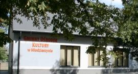 Gminny Ośrodek Kultury w Młodzieszynie.