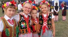 Małe Rogozino zatańczyło podczas 100-lecia Ochotniczej Straży pożarnej w Woźnikach