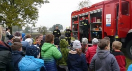 Alarm ewakuacyjny w Szkole Podstawowej w Rębowie.