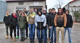 Zespół Szkół Czerwińsk na wycieczce w gospodarstwie rolnym .