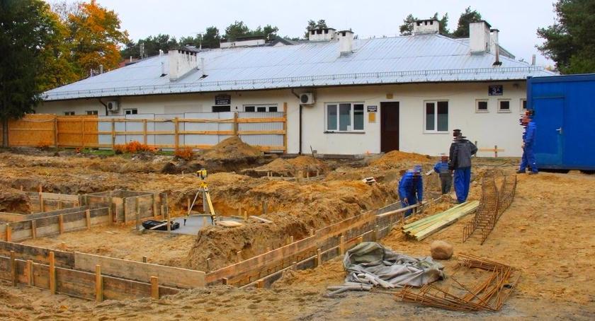 inwestycje-remonty-komunikacja, RUSZYŁA ROZBUDOWA OŚRODKA ZDROWIA IZABELINIE - zdjęcie, fotografia