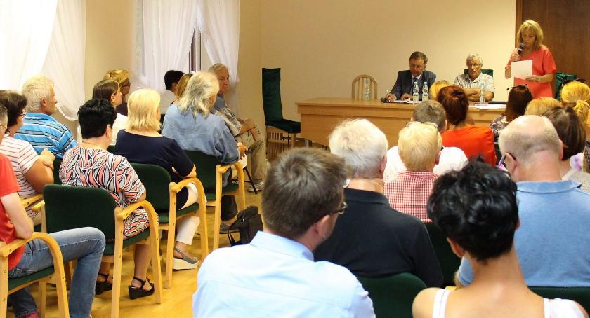 wojt-rada-urzad-wybory-zebrania, BURZLIWIE OWOCNIE - zdjęcie, fotografia
