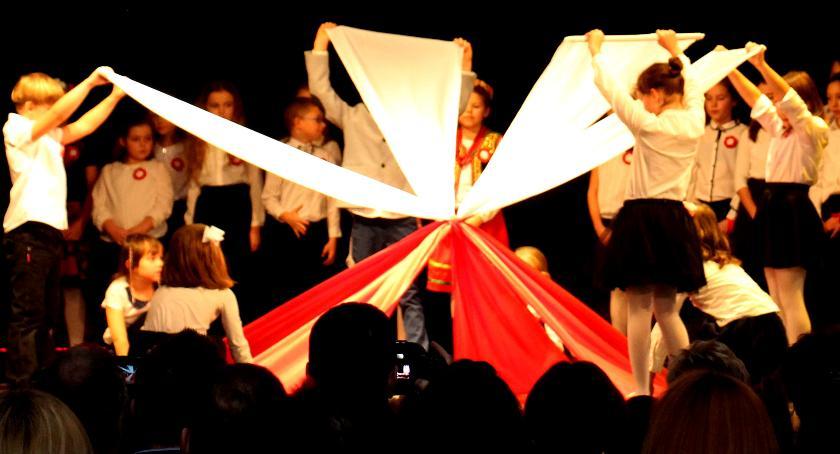 uroczystosci-festyny-rajdy-koncerty, WYSTĘPY DZIECI NAUCZYCIELI - zdjęcie, fotografia