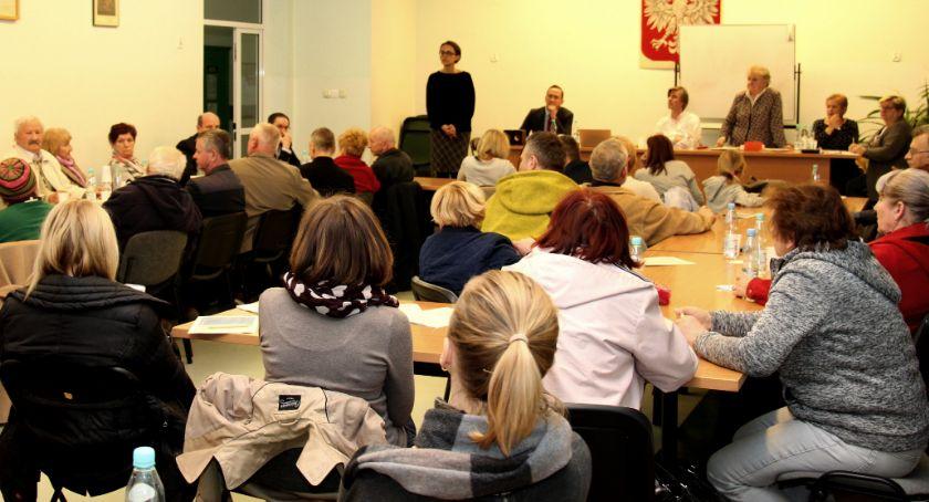 wojt-rada-urzad-wybory-zebrania, MIESZKAŃCY IZABELINA SPOTKANIU - zdjęcie, fotografia