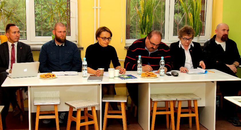 wojt-rada-urzad-wybory-zebrania, IZABELIN SIERAKÓW MOŚCISKA ZEBRANIACH - zdjęcie, fotografia