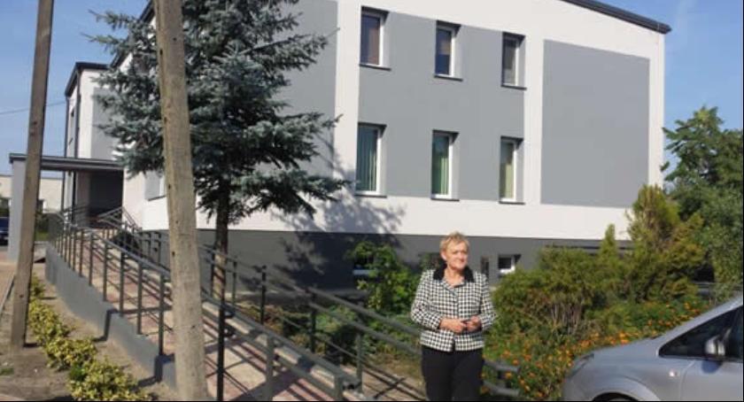 Inwestycje, Odnowiony budynek Ośrodka Zdrowia Kazanowie - zdjęcie, fotografia