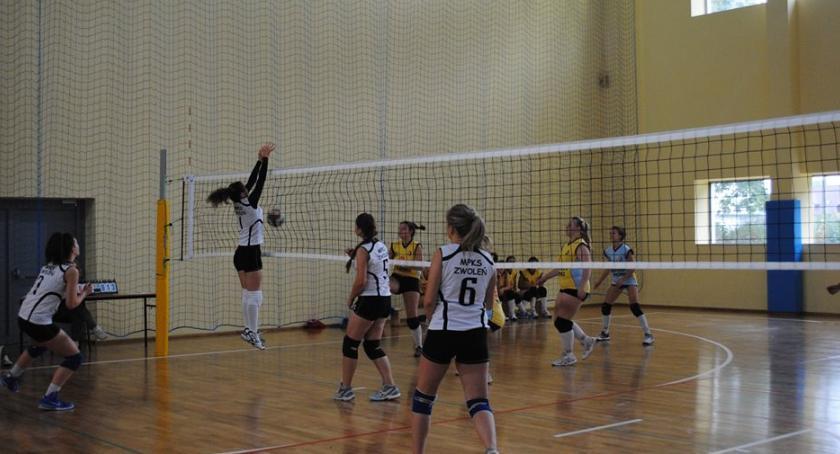 Sport, MIKOŁAJKOWY TURNIEJ PIŁKI SIATKOWEJ - zdjęcie, fotografia