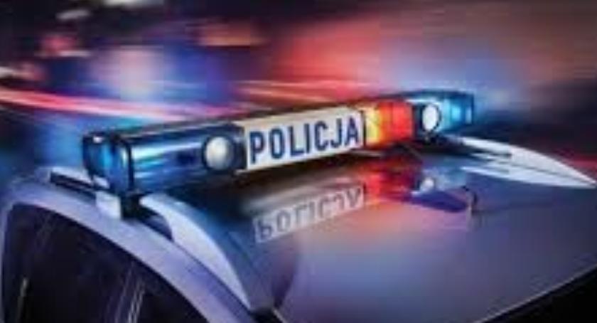Kronika kryminalna, PIJANY KIEROWCA UCIEKAŁ PRZED POLICJĄ - zdjęcie, fotografia