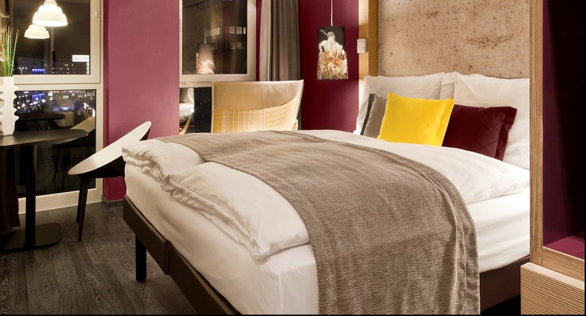 Społeczność, Trzygwiazdkowy Hotel Royal - zdjęcie, fotografia