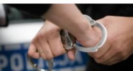 Zarzuty za posiadanie i udzielanie narkotyków