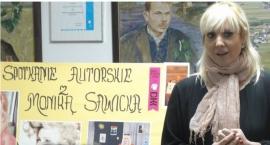 """""""Miłość nie jedno ma imię """" spotkanie z Monika Sawicką  20 maja 2016 w Bibliotece w Sycynie."""