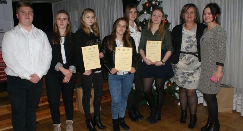 Imprezy, Młodzi aktywni żyrardowianie zostali nagrodzeni - zdjęcie, fotografia
