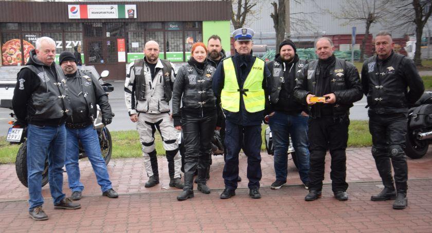 Widomości, Motocykle wszędzie patrz lusterka - zdjęcie, fotografia