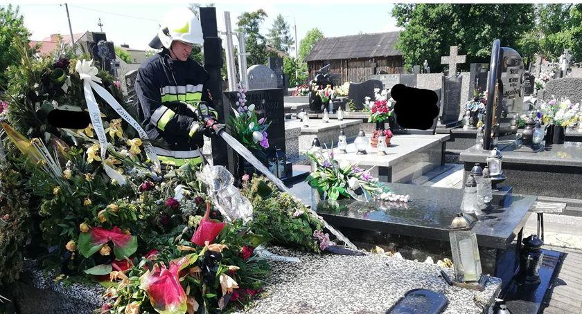 Na sygnale, Pożar cmentarzu Mszczonowie - zdjęcie, fotografia