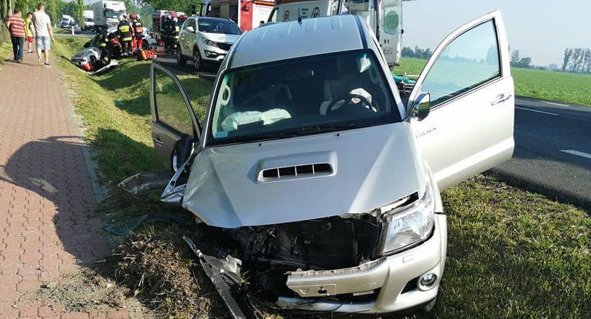 Na sygnale, Wypadek drogowy miejscowości Guzów - zdjęcie, fotografia
