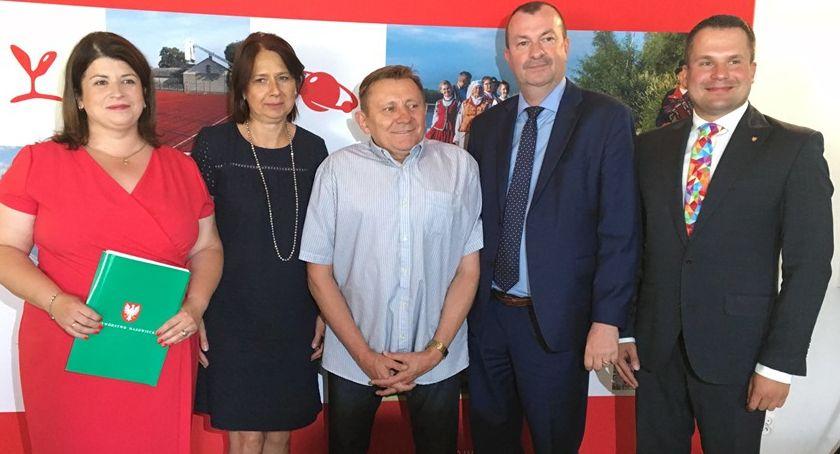 Inwestycje, tysięcy złotych dotacji powiatu żyrardowskiego - zdjęcie, fotografia