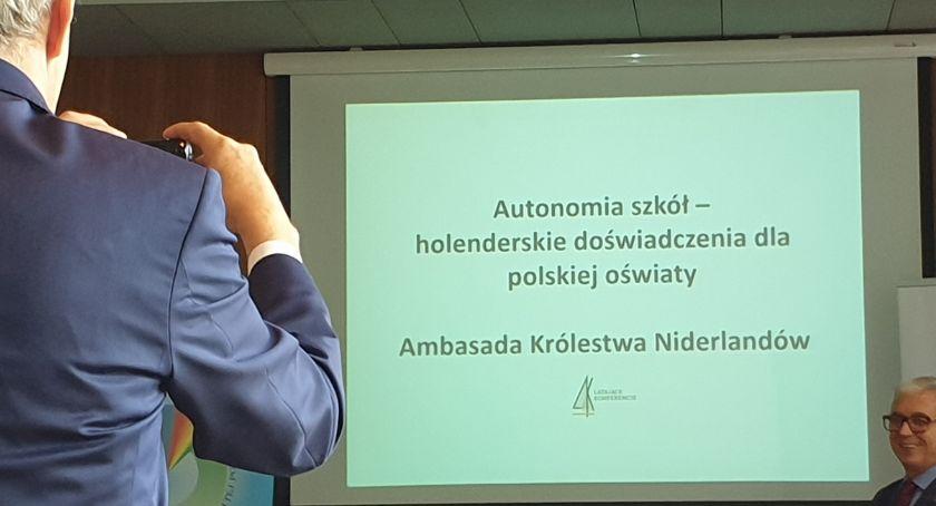 Widomości, Autonomia szkół holenderskie doświadczenia polskiej oświaty - zdjęcie, fotografia